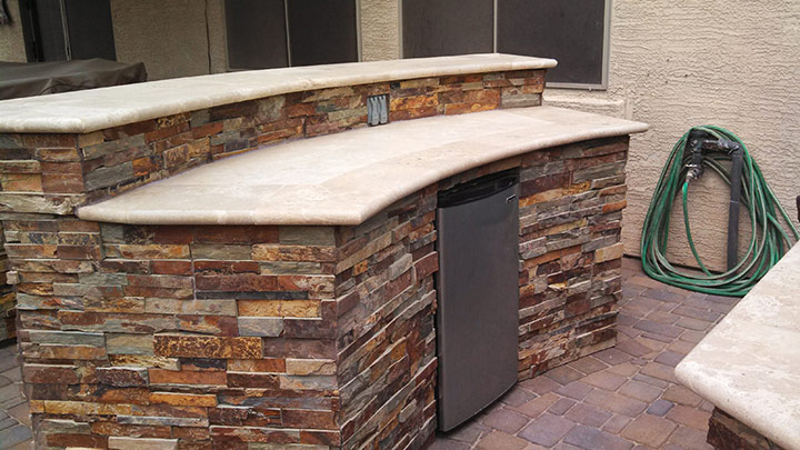 BBQ-cultured-stone-bar-fridge