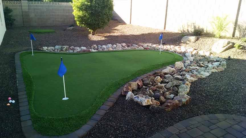 Artificial Grass Backyard With Fire Pit
