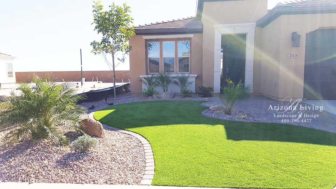 front yard landscape with synthetic grass Encanterra